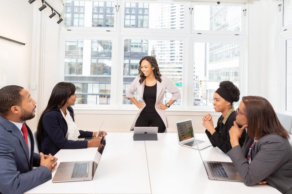 group oo people having a meeting